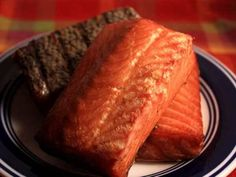 Making a basic brine for smoked salmon requires just a few ingredients. With these salmon brine tips, you'll create tasty, smoky, delicious fish! Smoked Salmon Brine, Trout Recipes, Grilled Salmon Recipes, Smoked Meat Recipes, Smoked Fish, Smoked Trout, How To Cook Corn, How To Cook Pasta, Cooking With Kids Easy