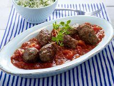 Griechische Rezepte: Susukakia (Hackfleischröllchen in Tomatensoße) mit Reis