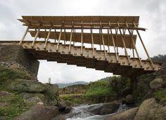 Wind and Rain Bridge / Donn Holohan - The University of Hong Kong