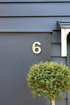 Kerb appeal tip: Add a great number to your entrance: Woodwork in Farrow & Ball's Off-Black Exterior Eggshell Exterior Front Doors, Exterior Cladding, Black Exterior, Modern Exterior, Farrow Ball, Farrow And Ball Paint, Interior Color Schemes, Gray Interior, Colour Schemes