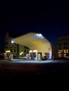 gas station/ italy
