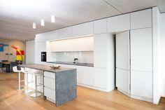 Loft apartment cologne minimalist kitchens by beigelstein interior design minimalist Rustic Kitchen Design, Best Kitchen Designs, Shabby Chic Kitchen, Interior Design Kitchen, Interior Minimalista, Design Minimalista, Kitchen Pantry Cabinets, Diy Kitchen Storage, Storage Room