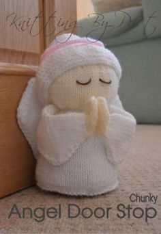 Angel Door Stop Knitting pattern by Knitting by Post – wollknäuel Christmas Knitting Patterns, Knitting Patterns Free, Crochet Patterns, Snowman Crafts, Christmas Crafts, Christmas Decorations, Snowman Wreath, Christmas Door, Holiday Decor