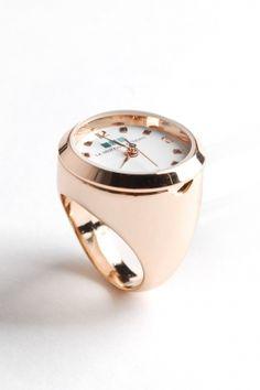 la mer - women\'s ring watch with chain (rose gold) - La Mer I Love Jewelry, Gems Jewelry, Jewelery, Fine Jewelry, Ring Watch, Bracelet Watch, Finger, Bling, Cat Ring
