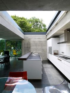 The Graveyard House by Eldridge-Smerin Architects...retractable roof for the win