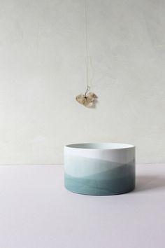 Pot en céramique avec dégradé de bleu gris DESIGN STUDIO CAROLA ZEE