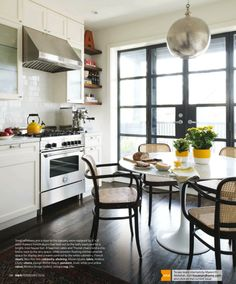 Toronto townhouse designed by Mazen El-Abdallah, as featured in Canadian House & Home, February 2016 (via La Dolce Vita).