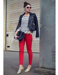 #Stylissim no se lo pensó dos veces a la hora de participar en nuestro concurso. Su look casual con la cazadora biker y los slippers dorados demuestra sus grandes dotes como estlista. http://www.marie-claire.es/moda/consejos-moda/fotos/street-style-al-mas-puro-estilo-belga/stylissim