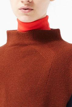 WGSN knitwear details Put a turtleneck or mock turtleneck under any knit by stitching in a tee shirt neck sections. Match color with fabric spray paint or Liquitex Acrylic ink. Knitwear Fashion, Knit Fashion, Sweater Fashion, Pullover Mode, Fashion Details, Fashion Design, Textiles, Knitting Designs, High Fashion