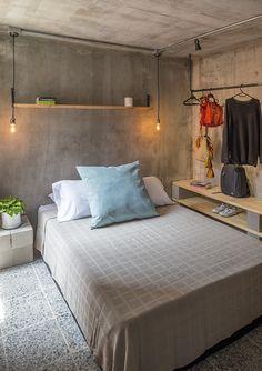 Small space living in Columbia (Desire To Inspire) Loft Interior, Apartment Interior, Interior Design, Small Space Living, Small Spaces, Concrete Bedroom, Concrete Wall, Bedroom Wall, Bedroom Decor