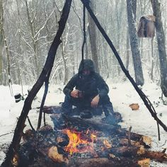 #bushcraft #wildcamping #survival #camping #camp #instanature #outdoors #adventure #hiking #forest #modernoutdoorsman #wood #woodsman #liveauthentic #modernnature #naturelover #backpacking #nature_seekers #wilderness #getoutside #campvibes...