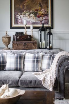 This week I styled one room in my house, in three different ways, to show you all how, with a few easy changes, you can express your own fall decorating style. Modern Farmhouse Design, Farmhouse Interior, Farmhouse Style Decorating, Fall Decorating, Fall Living Room, Living Room Decor, Bright Decor, Living Room Inspiration, Sofa Pillows