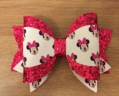 Toddler Hair Bows, Girl Hair Bows, Disney Hair Bows, Minnie Mouse Hair Bow, Diy Leather Bows, Bow Template, Cricut, Hair Bow Tutorial, Gift Bows