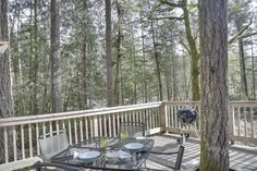 Ultra-cozy cabin with large deck and riverfront location Oregon, Bed Back, Smoke Alarms, Romantic Vacations, Cozy Cabin, Take A Break, Home Jobs, How To Fall Asleep, Deck