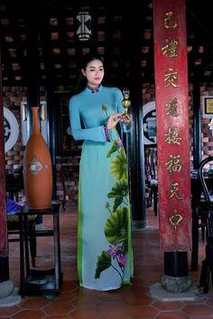 Phạm Hương đẹp nao lòng khi diện áo dài Việt - 8