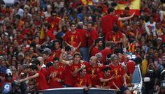la multitudinaria celebración de España en las calles de Madrid - Spain Celebrating Eurocup 2012 Winning
