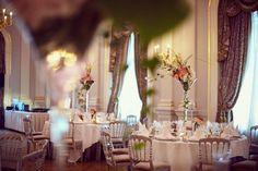 Décoration de la salle de banquet du Grand Hôtel du Lac de Vevey pour un mariage
