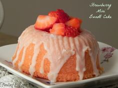 Strawberry Mini Bundt Cakes an easy recipe for the perfect spring of summer dessert. Don& have a mini pan? Make one large cake. Mini Desserts, Just Desserts, Delicious Desserts, Dessert Recipes, Mini Bunt Cake Recipes, Plated Desserts, Dessert Ideas, Dessert Table, Yummy Food