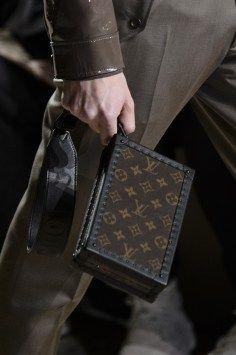 c7f775506697 Louis Vuitton Fall 2018 Men s Fashion Show Details