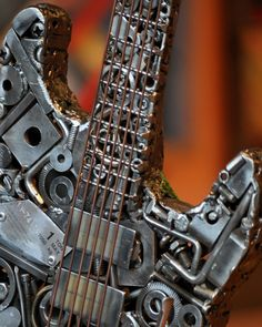 ★ ✯✦⊱ ❤️ ⊰✦✯ ★ Welded Sculptures Made From Found Objects.Nuts and bolts and other metal scraps take on a life of their own thanks to Portland-based artist Brian Mock. Metal Projects, Welding Projects, Found Object Art, Scrap Metal Art, Junk Art, Welding Art, Metal Artwork, Cool Guitar, Yard Art