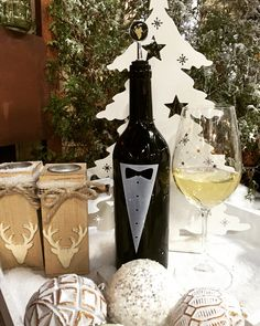All dressed up for the party! Merry Christmas everybody #winechill #winechiller #wine