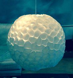 Lampenschirm aus Pralinenförmchen  // von CleanSweepStuff
