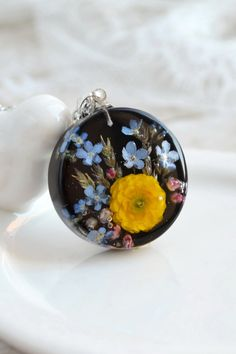 Handmade Pendant made from real buttercup flowers. Epoxy Resin Art, Uv Resin, Resin Jewelry, Jewelry Crafts, Handmade Jewelry, Diy Resin Crafts, Resin Flowers, Diy Earrings, Jewelry Collection