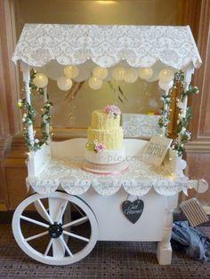 Ruffle vintage cake