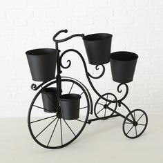 A bicycle for plants! Black Garden, Treehouse, Planter Pots, Bicycle, Home, Home And Garden, Classic, Bike, Bicycle Kick