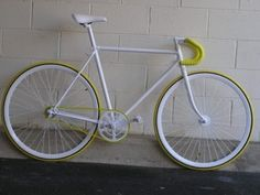 Fixed gear,single speed.Pure white with yellow.