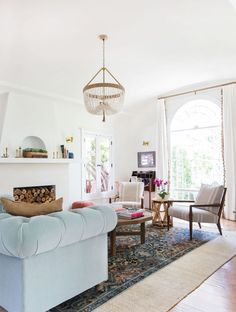 House Tour: A Los Angeles Home That Exudes Comfortable Hotel Style
