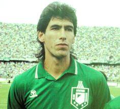 Andrés Escobar, por siempre titular! inmortal #2 e ídolo para toda una vida. Football Stickers, Football Players, Hashtags, Polo Ralph Lauren, Soccer, Shit Happens, People, Mens Tops, Rey
