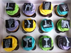 A couple of weeks ago I got a request to make some cupcakes for a friend whose sister is graduating from x-ray technology. I told her I'd d...