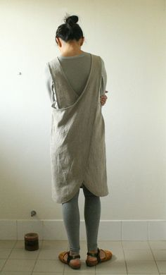 LINEN APRON / PINAFORE WITH CROSS BACK handmade in australia Handmade from mid weight linen, this loose fitting pinafore features 4 individual
