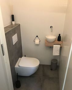 Matching Floor And Wall Tile In Different Sizes