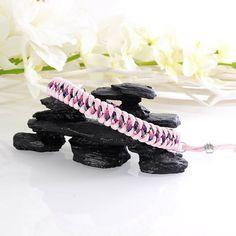 "Verstellbares Hundehalsband ""Asta-Rosa"" mit Zugstopp, 28 - 33 cm, Paracord Rosa/Schwarz-weiß-pink-lila gemustert"