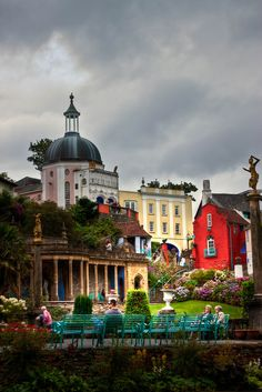 The Italianate village Portmeirion in North Wales England Ireland, England Uk, Wales Uk, North Wales, The Places Youll Go, Places To See, Beautiful World, Beautiful Places, Kingdom Of Great Britain