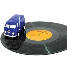 Omg I fucking neeed this! The Soundwagon Portable Mini Record Player Will Drive Around Discs