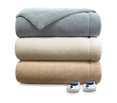 These #SleepNumber Warming Blankets remind me of sleeping at my grandma's house as a kid. She always had warming blankets to keep us safe and snug during those cold nights. Hope I win this #Contest so I can create my perfect Sleep Number Holiday Bedroom Haven!