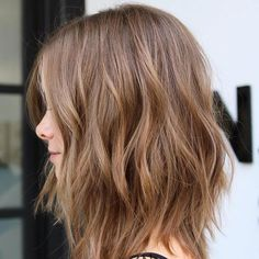 20 Inspiring Long Layered Bob Hairstyles Light+Brown+Layered+Long+Bob Related New Hairstyles for Short Curly HairLovely outfit ideas - Amazing hairstyles New Modern Short Haircuts For Women – Pixie And Bob Cut 2019 Wavy Haircuts, Layered Bob Hairstyles, Cool Hairstyles, 2018 Haircuts, Lob Hairstyle, Hairstyles 2018, Lob Layered Haircut, Long Choppy Hairstyles, Medium Length Wavy Hairstyles
