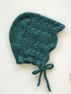Havskumkyse pattern by Nunnun - Knit Hat 3 Baby Knitting Patterns, Baby Hats Knitting, Knitting For Kids, Baby Patterns, Knitting Projects, Hand Knitting, Knitted Hats, Knitted Blankets, Blanket Patterns