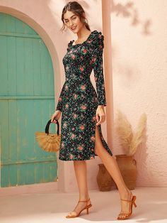 To find out about the Floral Print Square Neck Split Hem Midi Dress at SHEIN, part of our latest Dresses ready to shop online today! Hot Dress, Dress P, Dress Outfits, Wrap Dress, Fashion Dresses, Cute Dresses, Dresses For Work, Summer Dresses, Pop Fashion