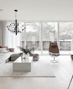 """Vår fantastiska soffa """"Stradford"""", den här även med en tillhörande pall finner vi hos @lk.living. Så otroligt fint! Vilken exklusiv känsla ! Stradford är just nu på kampanjpris och finns i många olika storlekar samt andra modeller med bl.a. smalare armstöd, hos @hemdesigners .se 🤍 #lovelyinterior #loungesoffa #vardagsrum #home-design #scandinavianhome #interior4inspo #dream-interiors #heminredning #hem-inspiration #passio4interior #inspiremehomedecor #design #exklusiveinterior #hemdesigners Home Interior Design, Interior Styling, Interior Decorating, Boho Living Room, Living Room Decor, New Homes, House Design, Home Decor, Ideas"""