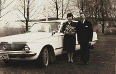 Antique Cars, Couple Photos, Antiques, Couples, Vehicles, Vintage Cars, Couple Shots, Antiquities, Antique