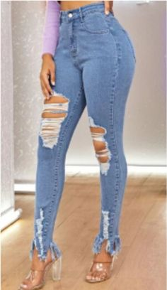 Looking for designer woman's fashion for cheap? Check out these 21 affordable online boutiques to update your wardrobe with high-end clothing on a budget. You'll be able to find woman's dresses, tops, bottoms, swimwear, jewelry and accessories and more at budget friendly prices. #fashion #boutique #womansclothes Affordable Clothes, Cheap Clothes, Affordable Fashion, Clothes For Women, Cheap Boutique Clothing, Fashion Boutique, Cheap Online Boutiques, Cheap Checks, Cute Rompers
