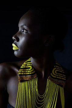 твиттер люди мира beauté africaine, beauté ébène и bijoux africains. African Beauty, African Women, African Fashion, African Makeup, African Models, African Girl, Black Girl Magic, Black Girls, Foto Portrait