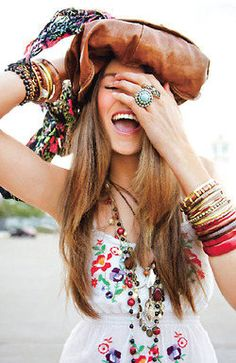 The perfect choice of super stylish bohemian jewelry to complete your dazzling look. Jazz up your collection with boho bracelets and bracelet stacks. Bohemian Mode, Bohemian Style, Boho Chic, Boho Outfits, Fashion Outfits, Gypsy Style, My Style, Boho Fashion, Fashion Trends