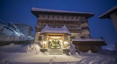 Hotel Arlberghöhe Sankt Christoph am Arlberg Located at 1,800 metres above sea level, Hotel Arlberghöhe in St Christoph is right next to the Galzig Ski Slope and the ski lift. It offers a Finnish sauna and an infrared cabin, as well as free WiFi and a ski storage room.