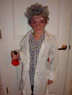 How to Make a Mad Scientist Halloween Costume #scientist #halloween #costume DIY