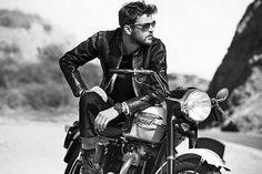 Leather Jewelry and Motorcycle – The New Trend Lederschmuck und Motorrad – Der neue Trend Motorcycle Photo Shoot, Motorcycle Wedding, Motorcycle Men, Bike Photo, Motorcycle Style, Biker Style, Motorcycle Fashion, Photoshoot Idea, Biker Photoshoot